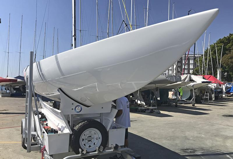 The sixth Allanson/Murray Etchells prepares for handover... - photo © John Curnow